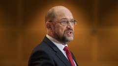 Мартин Шулц трябва да е лидер на социалдемократите, но не и канцлер, сочи допитване