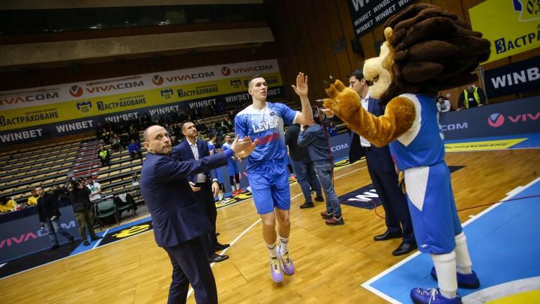 Амбициозният баскетболен отбор на Левски Лукойл ще завърши селекцията за