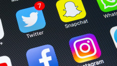 Facebook сля чатовете на Меssenger и Instagram