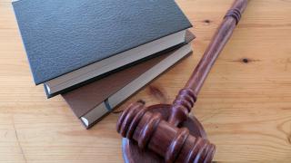 Съдят рускиня за шамар на пътен полицай