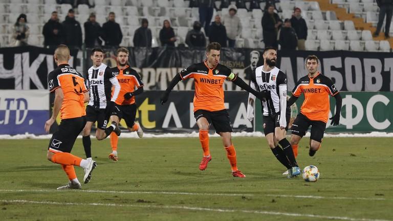 Локомотив (Горна Оряховица) и Литекс завършиха 0:0 в последен мач