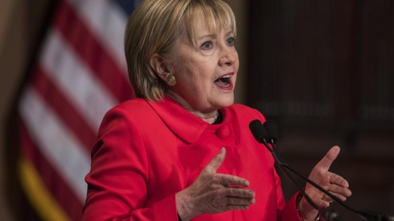 Хилари Клинтън разкритикува остро Тръмп, подигра се на Путин