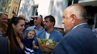 Лъжат ви, че ще ви вземем апартаментите, ако санирате, предупреди Борисов
