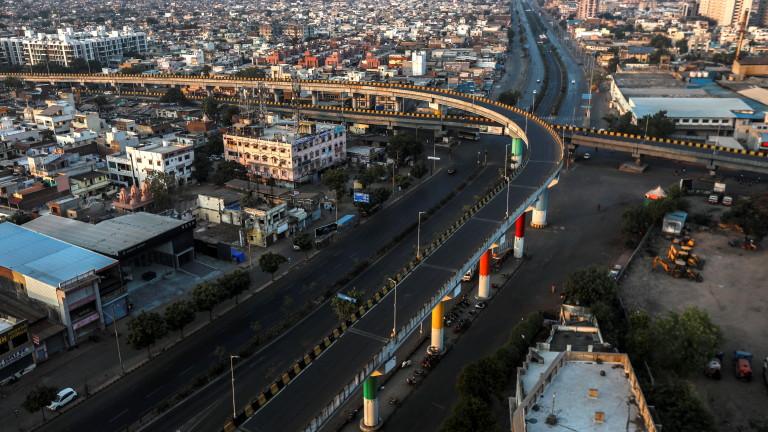 Индия отново с над 45 000 новозаразени