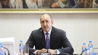 Румен Радев пита знаел ли е Борисов за подслушването