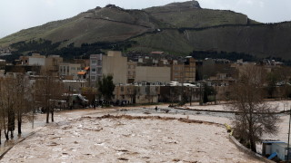 70 души загинаха при наводнение в Иран