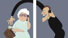 Възрастна жена даде над 6 500 лв. на телефонни измамници