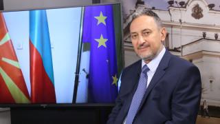 Любчо Георгиевски: От деца в Македония ни убеждаваха, че българите ще ни нападнат