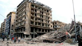 Десетки загинали при ожесточени боеве за сирийския град Джиср аш Шугур