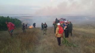 500 декара горят в Свиленградско