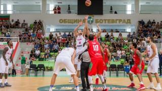 Партизан пита Фенербахче за български баскетболист