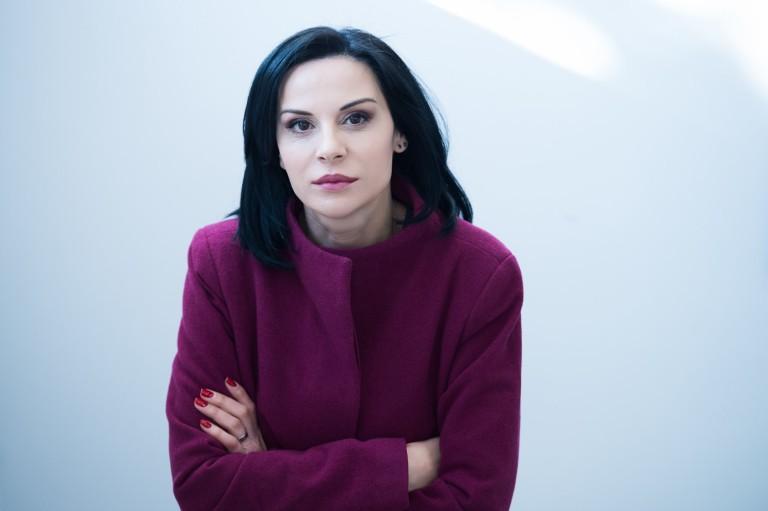 Гергана Стоянова в ролята на Поли Грънчарова
