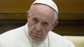 Папата порица Доналд Тръмп за отношението му към имигрантите