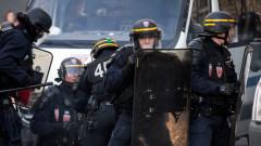 Френската полиция задържа 27 души в мигрантски лагер