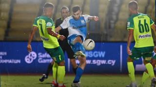 Аполон (Лимасол) и Илиан Илиев-младши с тежка загуба в Кипър, кошмар на Левски с два гола за АЕК (Ларнака)