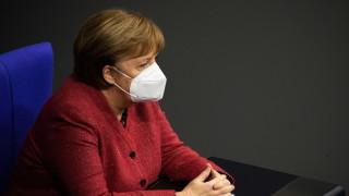 Меркел поиска по-твърди мерки след рекорд от 590 починали за денонощие