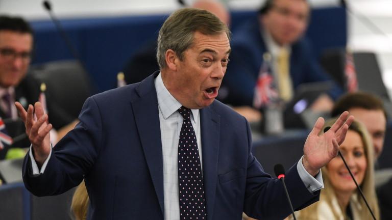Британският евроскепктик Найджъл Фараж предупреди, че сделката на премиера Борис