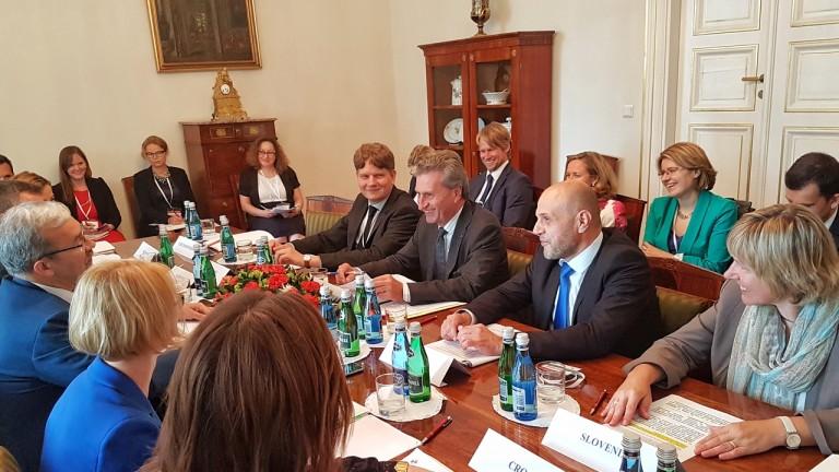 Дончев настоя пред Вишеградската четворка за фокус за бъдещето на ЕС