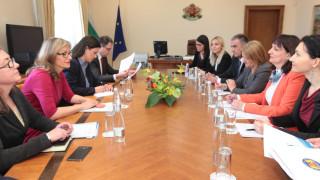 Захариева учи Черна Гора как да се бори с корупцията
