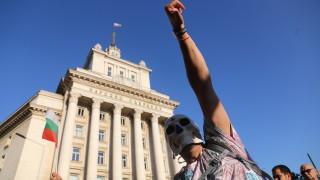 Близо 60% от българите не вярват, че протестите ще свалят правителството