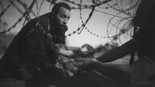 """Снимка с бежанци спечели """"World Press Photo"""""""