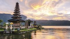 Страх от цунами след силно земетресение в Бали