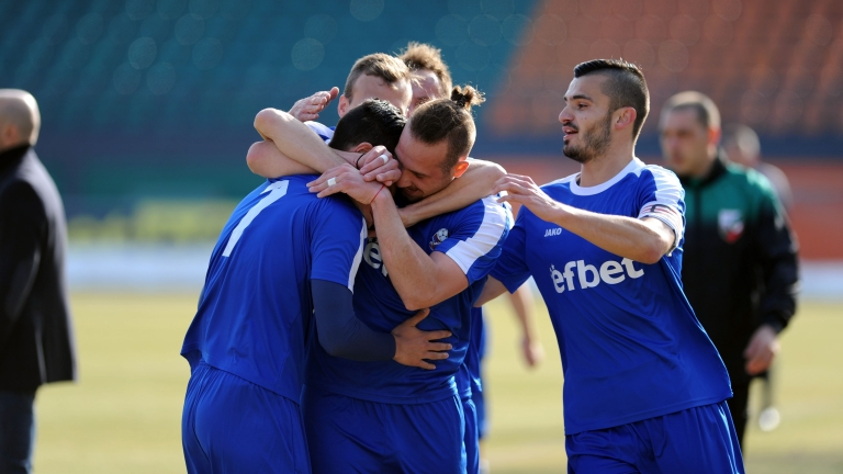 НА ЖИВО: Локомотив (Горна Оряховица) - Монтана 0:3