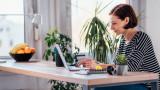 Трябва ли служителите, които работят от вкъщи, да получават по-малко от останалите?