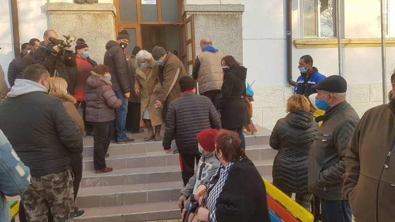 С голямо мнозинство жителите на Обзор и шест близки села