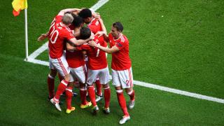 В последния момент: Феновете на Уелс молят УЕФА да пощади Рамзи