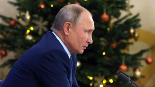 Путин реши да се ваксинира