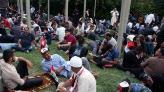 Премиерът на Ирак разпореди арести заради щурма на парламента