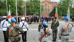 НСО проверява гражданите на водосвета на бойните знамена