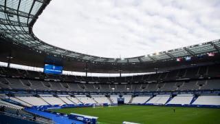 Мачът между Франция и Албания започна доста конфузно
