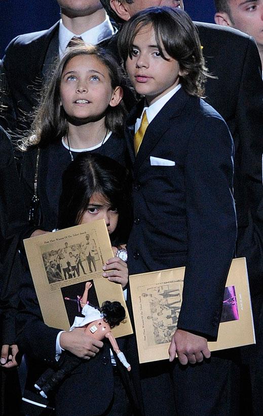 Отложиха делото за опекунството на децата на Майкъл Джексън