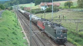 Откраднаха памперси от товарен влак в русенско