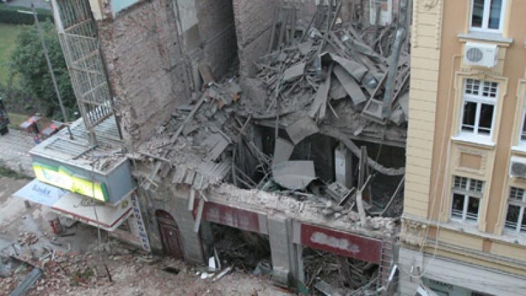 """12 години се точи делото за сградата убиец на ул. """"Алабин"""""""