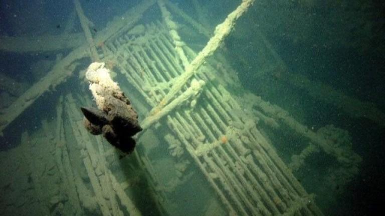 """""""Мопанг"""" изхвърли мазут след 97 години на дъното край Созопол"""