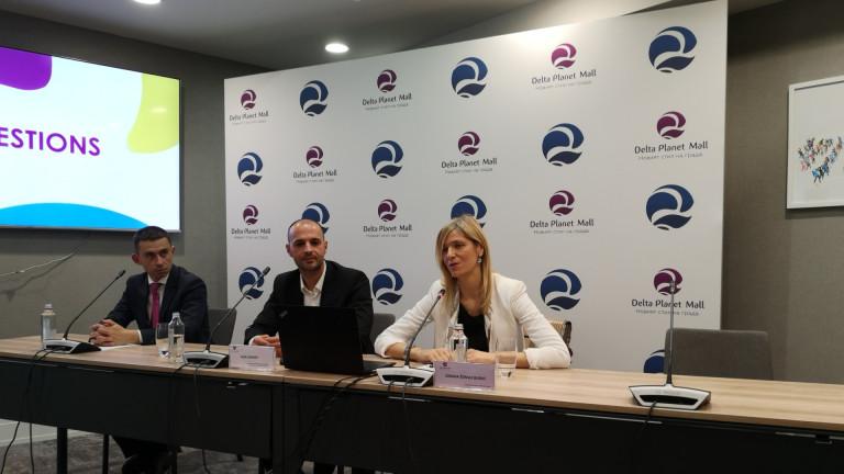 Изпълнителният директор на Delta Real Estate Зорана Ждрале Бурлич и мениджърът на мола Алекс Линчев