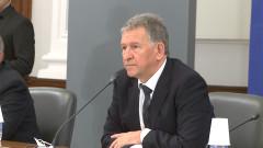 Кацаров пита колко време са установявали делта варианта на COVID-19