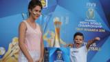 Над 6 000 фена се докоснаха до световната волейболна купа във Варна