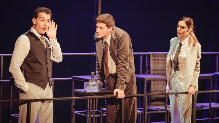 Оскар Уайлд успява да развълнува театралнитезрители от десетилетия. Всеки намира