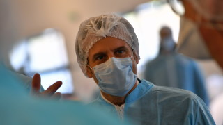 Франция се нуждае от най-малко 40 млн. маски на седмица, обяви Макрон