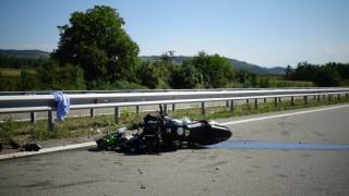 Моторист загина в катастрофа край Панагюрище