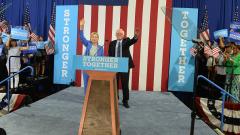 Бърни Сандърс подкрепи Хилари Клинтън за президент на САЩ