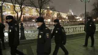 Един убит и трима ранени след стрелба в московска фабрика