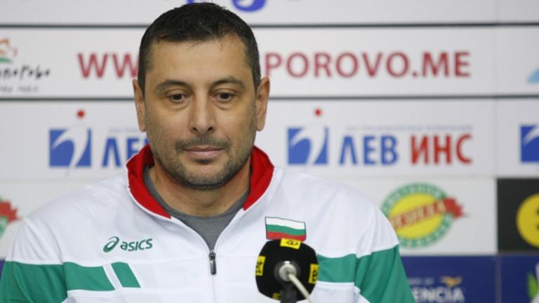 Треньорът на волейболния Нефтохимик Николай Желязков заяви, че има договорка
