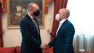 Преследването на българските книги и култура в РСМ да остане в тоталитарното минало, иска Радев