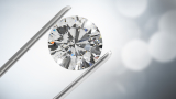 28-каратов диамант за $2,115 000 стана най-скъпото бижу, продадено на онлайн търг