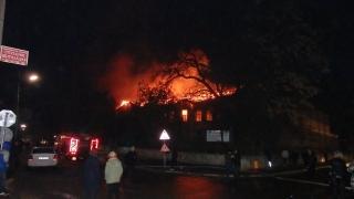 Застрахователят обезщетява изгорялото училище в Карнобат